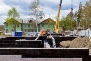 «Велики шансы, что многоквартирник с самого рождения станет аварийным». В Верхней Пышме переселенцам строят дом на болоте. ФОТО