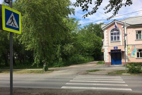 В Богдановиче 78-летний дедушка на Daewoo сбил ребенка на пешеходном переходе