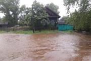 В Махнево проливные дожди смыли несколько десятков домов и дорогу. ФОТО