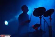 «Начинать возрождать уральский рок-клуб надо с детей». Вадим Самойлов впервые сыграет на барабанах вместе со школьниками