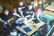 В одной из пиццерий Екатеринбурга случилась массовая драка. ВИДЕО