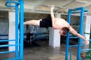 Уличный гимнаст из Нижнего Тагила попал в книгу рекордов России. ВИДЕО