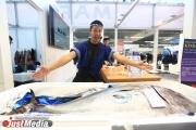 «Это лучшая часть промышленной выставки». Посетители ИННОПРОМа съели тунца весом 73 кг, искусственно выращенного в Японии. ФОТО