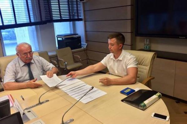 Свердловский облизбирком устроит праздник для первого кандидата вгубернаторы