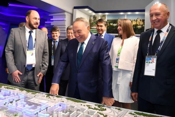 Президент Казахстана оценил потенциал Свердловской области на ЭКСПО-2017 в Астане