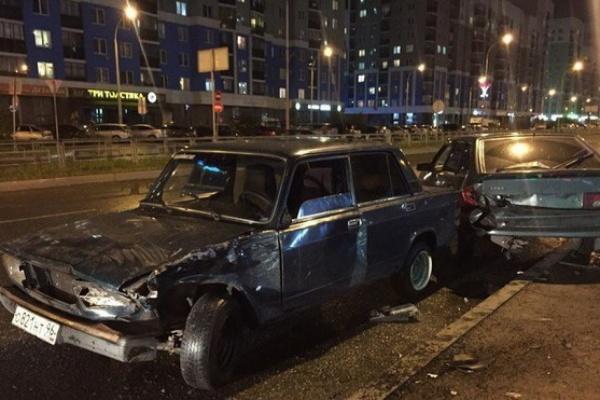 На улице де Геннина несовершеннолетний водитель устроил ДТП