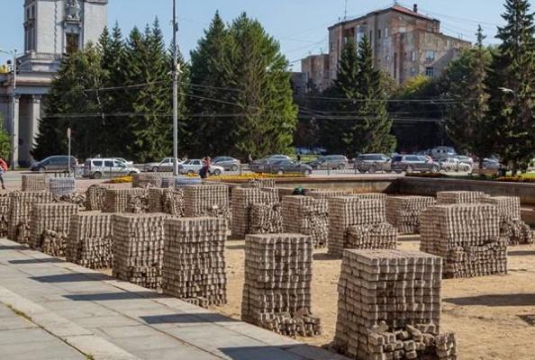 На ремонт площади Советской армии мэрия нашла пять миллионов рублей