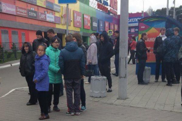 В Екатеринбурге эвакуировали сотрудников и посетителей ТРЦ «Радуга парка»