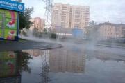 Коммунальные службы специально залили кипятком улицу Красных командиров, чтобы починить теплокамеру