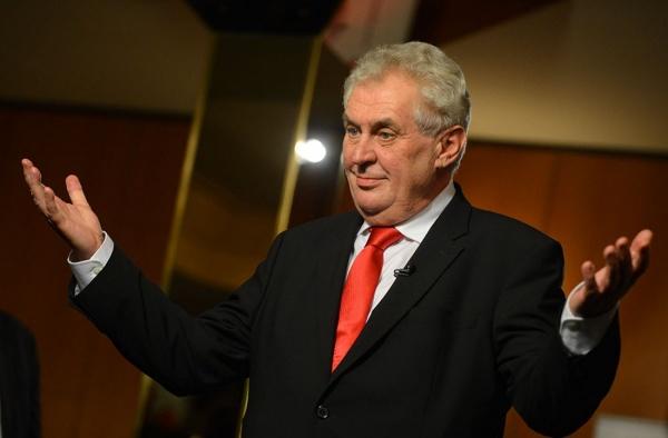 Президент Чехии предложил РФ  платить  Украине заКрым— Скандал вПАСЕ
