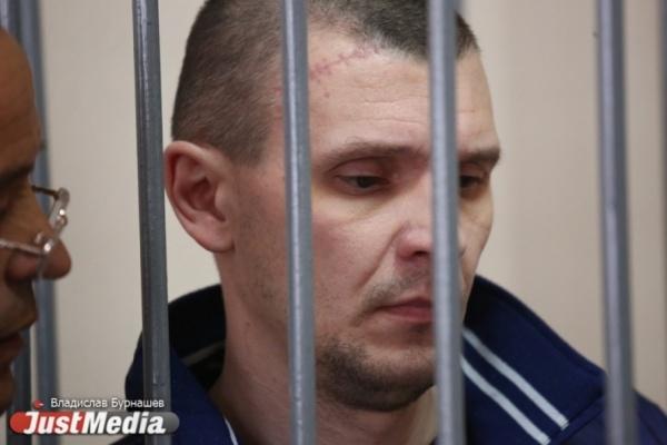 Ударившему своего сына головой обасфальт жителю Екатеринбурга ужесточили вердикт
