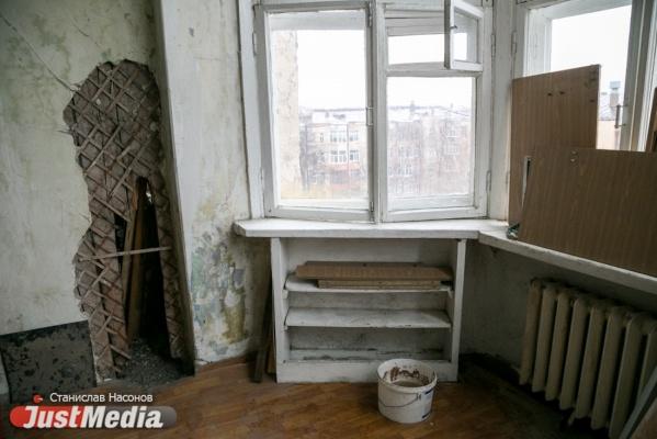 В Городке чекистов отремонтированная после пожара кровля течет уже неделю