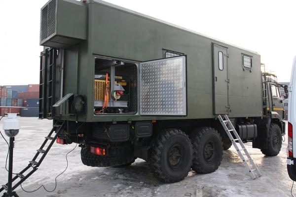 Уральская таможня получила новые специальные мобильные комплексы на базе грузовика и микроавтобуса. ФОТО