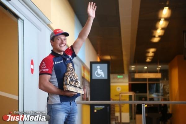 Карякин на третьем этапе «Дакара» уступил более 30 минут из-за потерянного прибора