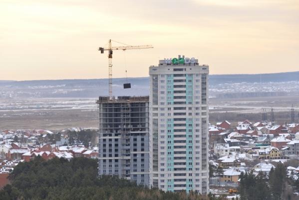 «Атомстройкомплекс» ввел в эксплуатацию первый дом жилого комплекса «WOODS. Дома в парке» в микрорайоне УНЦ