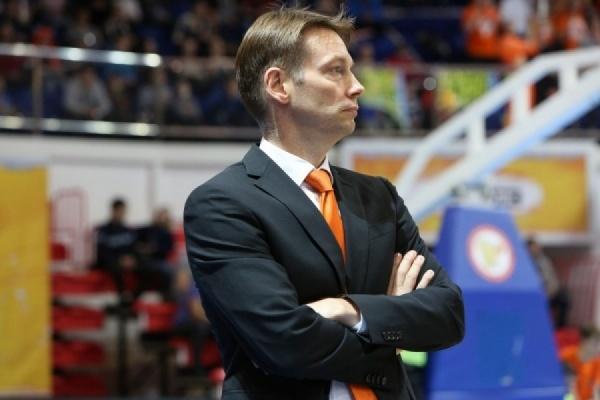 Олаф Ланге ушел споста основного тренера баскетбольного клуба УГМК