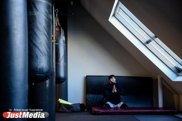 В Екатеринбурге боксеры провели открытую тренировку перед субботней битвой. ФОТО