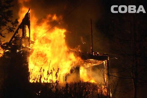 На Московском тракте в садах сгорели три больших дома. ФОТО