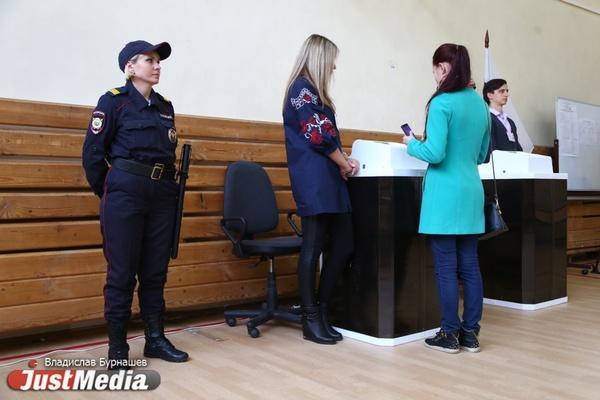 Избирательные участки Свердловской области будут охранять 14 тысяч полицейских