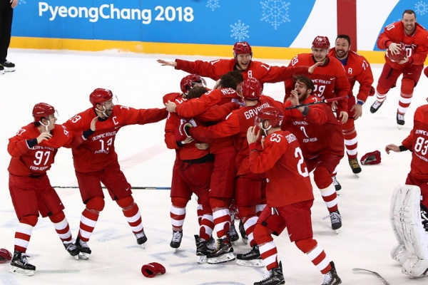 «Надеюсь, смогу поздравить лично». Куйвашев поздравил российскую хоккейную сборную с золотом Олимпиады