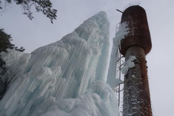 Коммунальщики вырастили в Карпинске сталагмит высотой с водонапорную башню