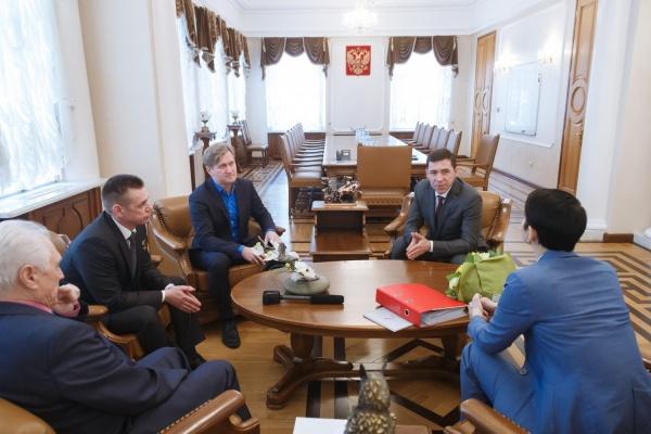Доверенные лица Путина поблагодарили Куйвашева за работу по обманутым дольщикам и попросили спасти ДК «Химмаш»