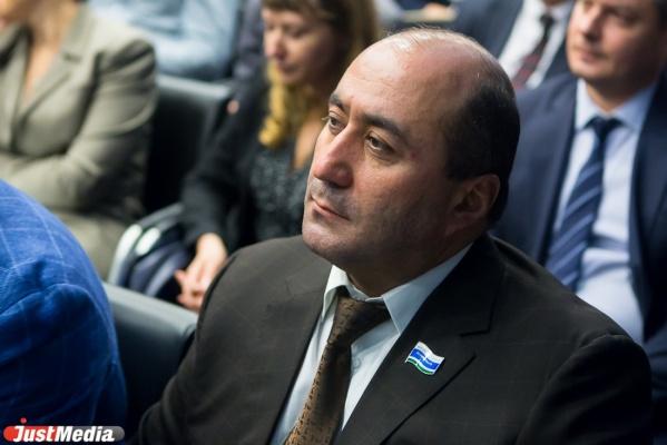 Свердловские депутаты не стали лишать мандата коллегу Карапетяна