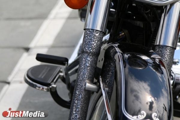 В Сухом Логу мотоциклист влетел в «ГАЗ Луидор»