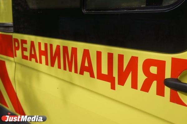 В Екатеринбурге двое пьяных избили водителя скорой помощи, которая приехала на вызов