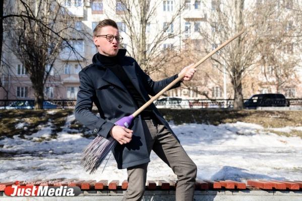 Ведущий «4 канала» Александр Щипанов: «У природы есть плохая погода, но мы на Урале привыкли делать ей скидку». В Екатеринбурге +6 и снег. ФОТО, ВИДЕО