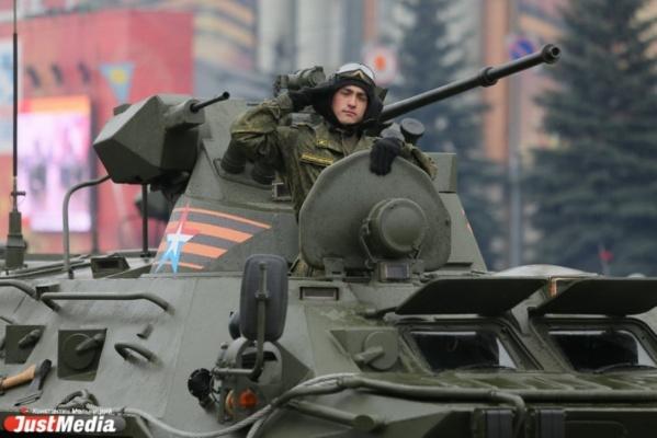 Легендарный танк Т-34 готовят к параду Победы в Екатеринбурге