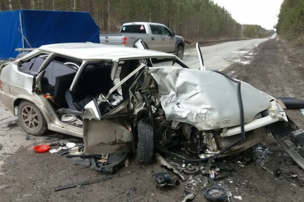 В Березовском в страшной аварии погибла супружеская пара. ФОТО