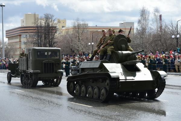 Открытие нового парка, судьба Человека, «Вальс Победы», и техника Великой Отечественной – в Верхней Пышме празднуют День Победы
