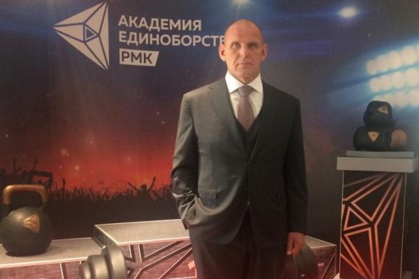 Перед началом работы секций академию единоборств РМК посетил депутат Госдумы