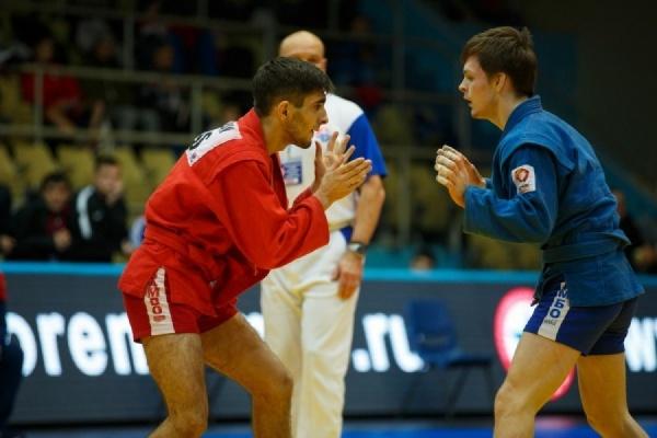 Двое самбистов УГМК завоевали бронзовые медали чемпионата Европы