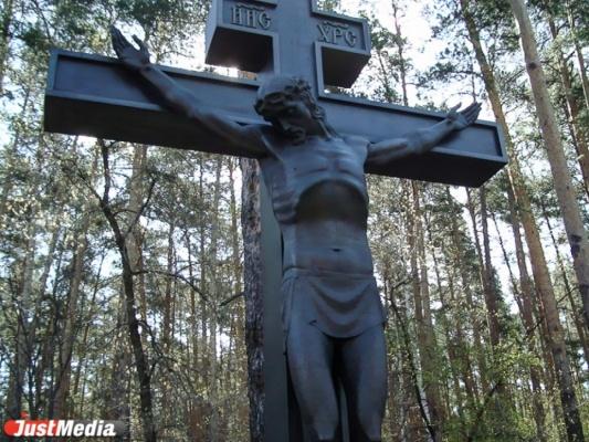 Двое тагильчан заработали полмиллиона рублей на краже и перепродаже надгробий