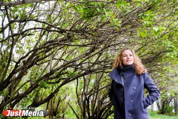 Парикмахер Нина Жигалова: «Лето – это маленькая жизнь, давайте проживем ее тепло и ярко». В Екатеринбурге пока +10 и дождь. ФОТО, ВИДЕО