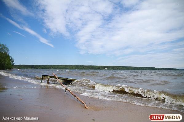 Свердловское МЧС пока одобрило в области только три пляжа