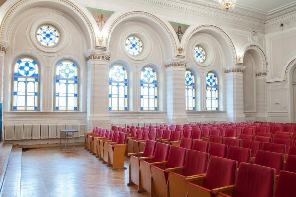 Сегодня Арбитражный суд Свердловской области решит судьбу двух колледжей и концертного зала, которые пытается вернуть РПЦ
