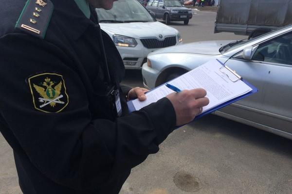 В Екатеринбурге приставы арестовали новенький Lexus, и его владелец тут же погасил долги по налогам