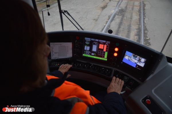 В Екатеринбурге глобально реконструируют трамвайно-троллейбусную инфраструктуру и закупят беспроводные «машины»