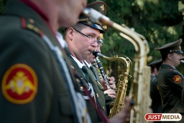В «Царские дни» 450 музыкантов-духовиков устроят парад в центре Екатеринбурга