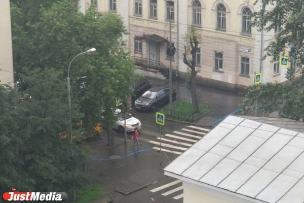 В Екатеринбурге появилась синяя линяя, которая поможет ориентироваться паломникам