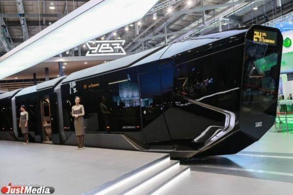 Куйвашев предложил мэрии закупить инновационные низкопольные трамваи