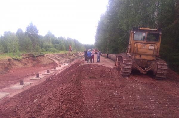 В Североуральске продолжают восстановительные круглосуточные работы после провала в канале реки Калья