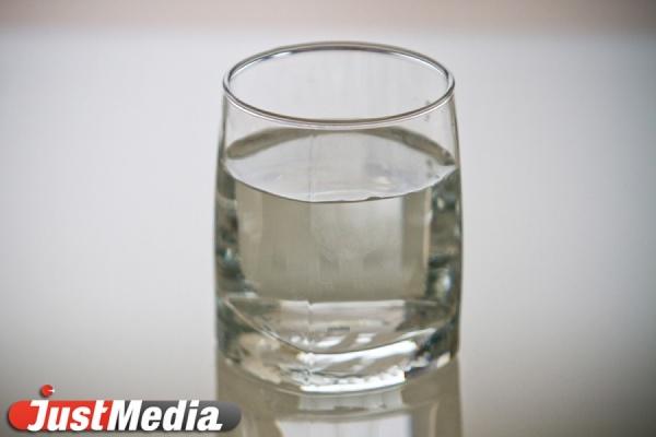 Норматив по «мутности» превышен в 6 раз. Вода в Североуральске по-прежнему не пригодна для питья