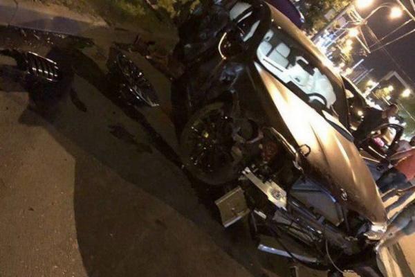 Федор Смолов разбил BMW за 9 млн рублей