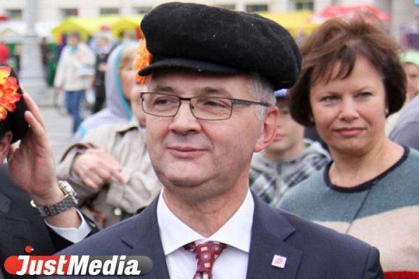 Рано на пенсию? Уральские сити-менеджеры и мэры не могут догнать медиарейтинг Якоба