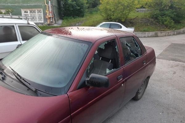 В Екатеринбурге разбили машину кандидата в ЕГД от КПРФ