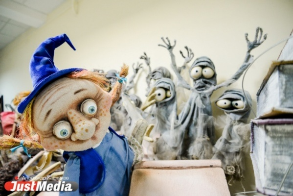 Кукольники из 29 стран мира устроят костюмированное шествие в центре Екатеринбурга и весь день будут показывать спектакли в Историческом сквере